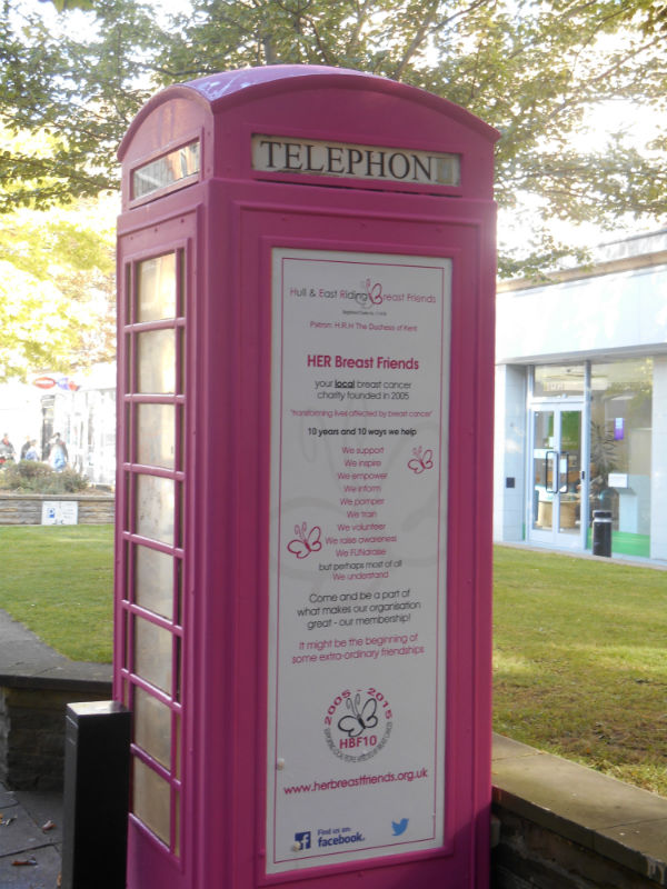 One Of Hull S Iconic Cream Telephone Boxes Becomes Pretty